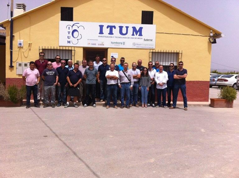 Jornada ITUM-SAS sobre nutrición en uva de mesa, conmemorando los 10 años de colaboración y presentación de las aplicaciones foliares y radiculares en uva de mesa a las empresas asociadas a ITUM